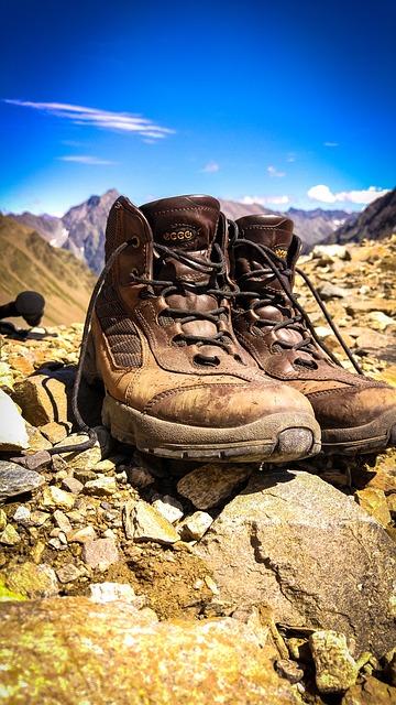 wandeluitrusting wandelaar wandelaars wandeling wandelingen  wandelschoenen