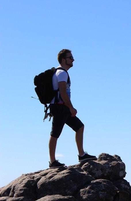 wandelaar bergwandeling natuurwandeling backpack hiking hiken