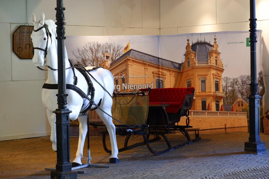 Nienoord Borg Koetsenmuseum Leek Groningen wandelen fietsen