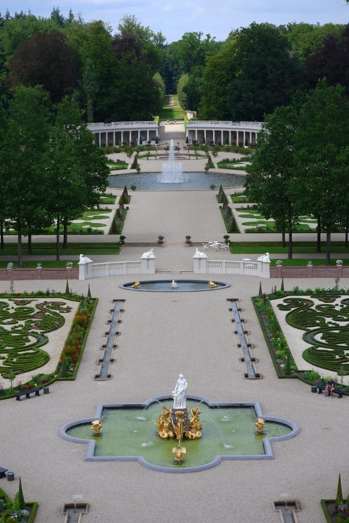 koninklijk paleis Apeldoorn  Het Loo tuin