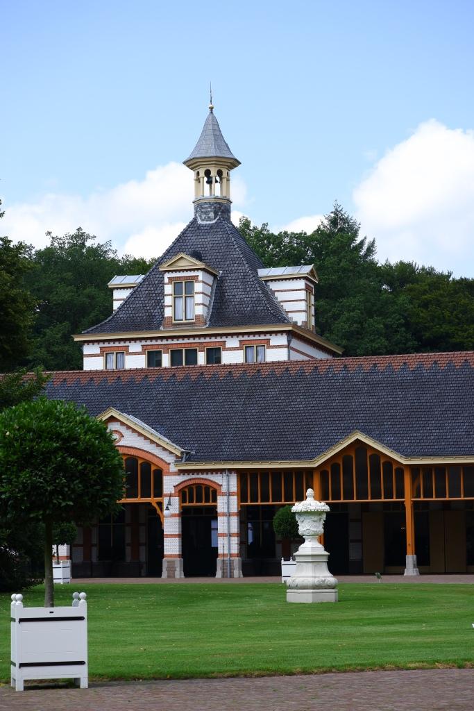 koninklijk paleis Apeldoorn  Het Loo stallengebouw