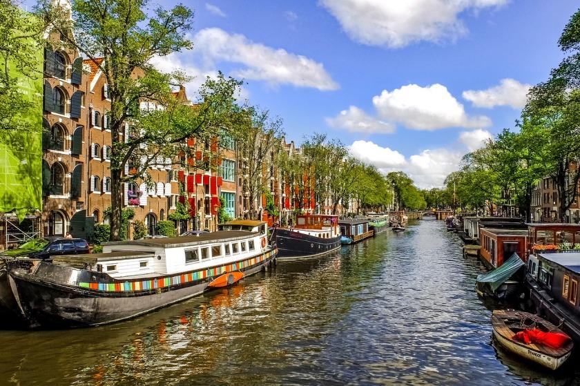Amsterdam grachten citytrip stadsbezoek Nederland Benelux