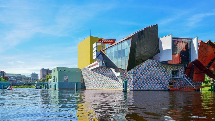 Groningen citytrip Groningermuseum stadsbezoek