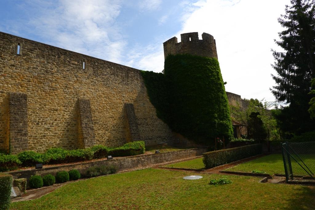 reisidee reistips daguitstap Echternach stadswandeling Luxemburg mullerthal Trail stadsmuur omwalling historisch unesco