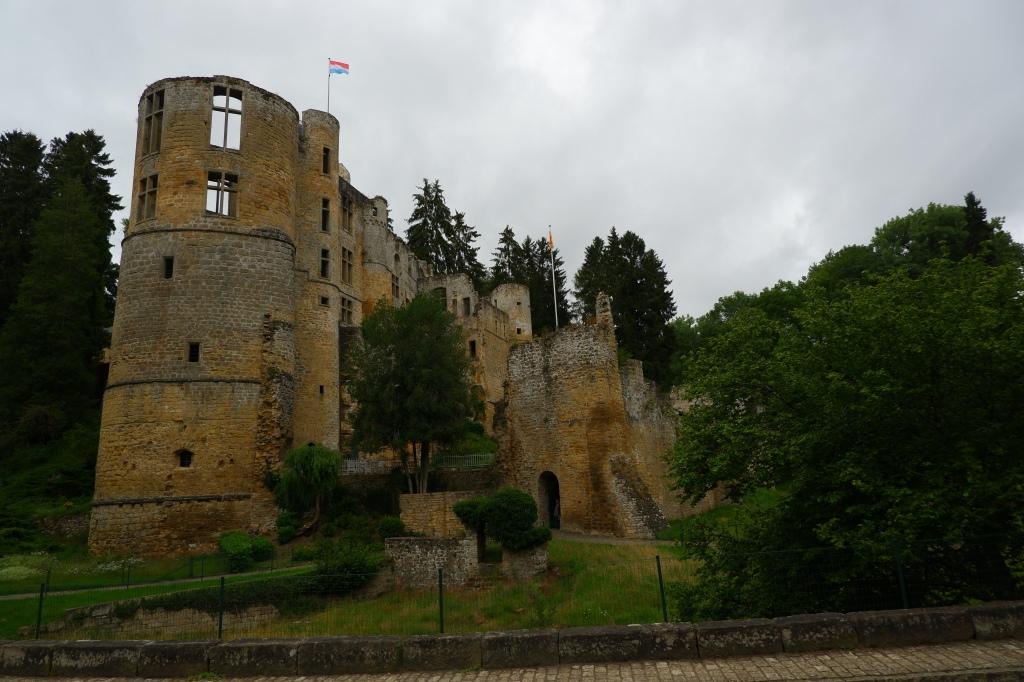 kasteel Beaufort Mullerthal Trail bezienswaardigheid ruïne reisverslag autoroute wandelroute