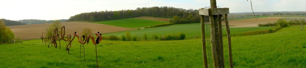 Borgloon twijfelgrens  Limbug Haspengouw kunstwerk staal Belgium Benelux rando wandeltocht hike